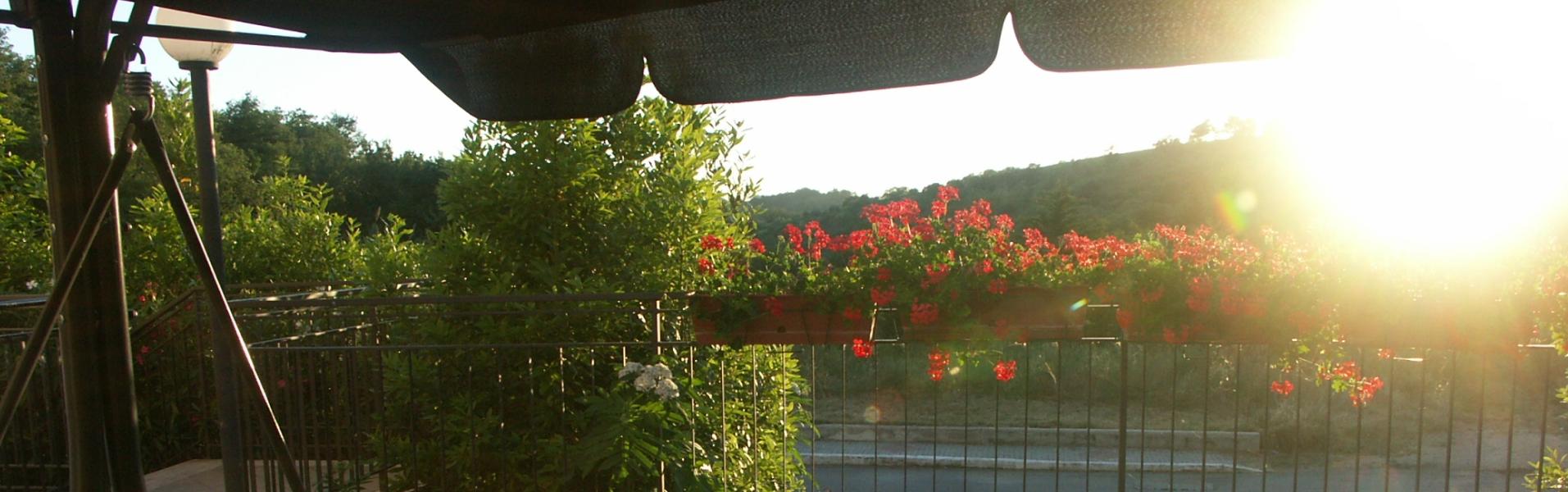 ginny-in-giardino-sul-dondolo